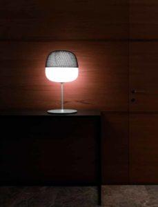 Afra / Lampe de table avec coiffe noire Karboxx (ref. 10971)