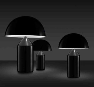 Atollo 238 / Lampe de table en métal Noir Oluce (ref. 12255i)