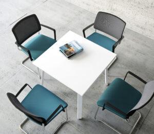 Gaya / Chaise de réunion avec accoudoirs Piètement luge Bleu mdd (ref. 12845)