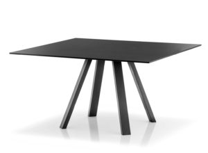 Arki-Table / Table de réunion carrée 139 x 139 cm Noir Pedrali (ref. 13031)