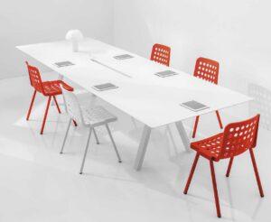 Arki-Table / Table de réunion rectangulaire avec passage de câbles Pedrali (ref. 13034i)