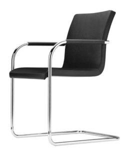 S 55 PVF Thonet / Chaise de réunion cuir noir Thonet (ref. 13857)