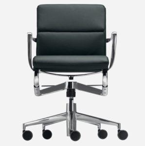 Rollinframe + TILT 47 soft / Chaise de réunion en cuir avec accoudoirs Alias (ref. 15019)