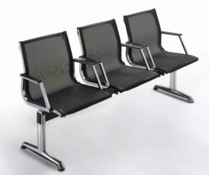 Chaises sur poutres-bancs